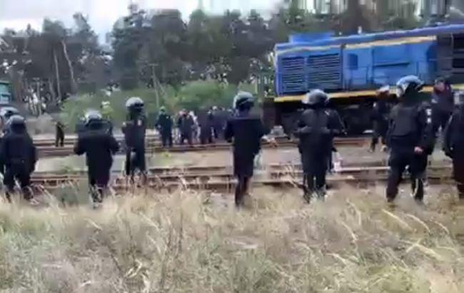 Во Львовской области задержали почти 30 участников блокады путей