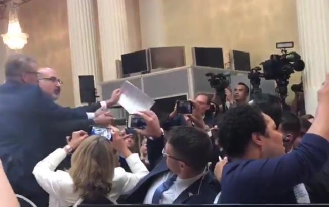 Спресс-конференции Владимира Путина  иТрампа силой вывели корреспондента