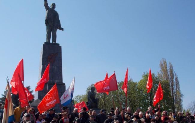 У день народження Леніна в Севастополі приймали в партію і комсомол