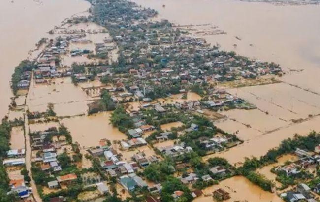 Во Вьетнаме из-за тайфуна эвакуируют более миллиона человек
