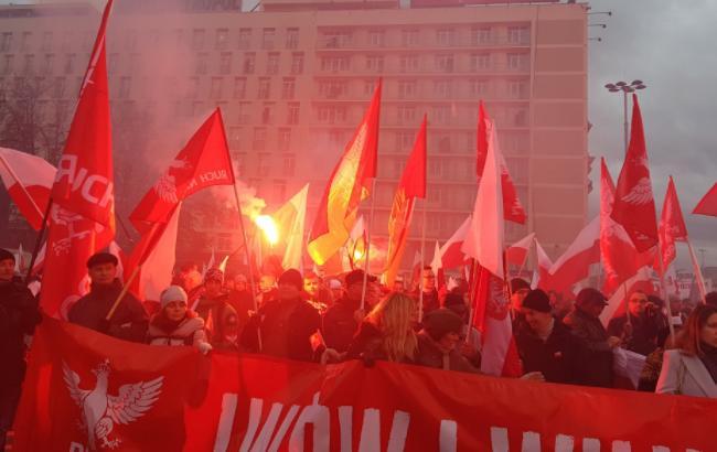 Марш националистов в Польше: появились снимки с баннером о Львове