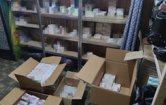 """СБУ заблокировала контрабанду """"лекарств"""" в Украину: среди них - препараты при лечении COVID"""