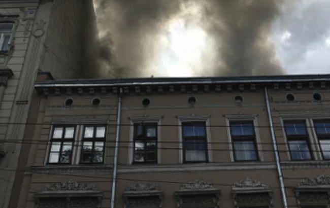 Фото: американские военные первыми бросились на выручку жертвами пожара во Львове (news9.com)