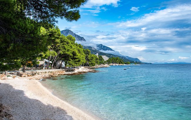 Путівки в літо: кращі пляжі на Балканах для відпочинку в 2021 році