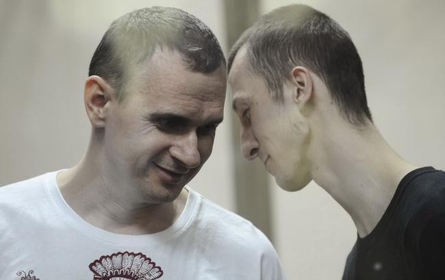 Фото: українські політв'язні Олег Сенцов і Олександр Кольченко в РФ