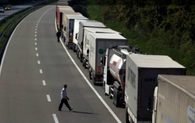 Сербія закрила кордон для вантажівок із Хорватії