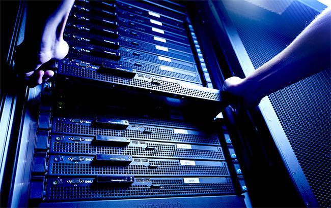 Айтишники надеются, что после принятия закона, никто кроме них не будет прикасаться к серверам