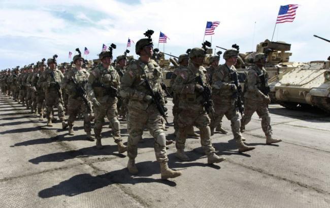 Фото: у Румунію прибуває 500 американських військових з озброєнням