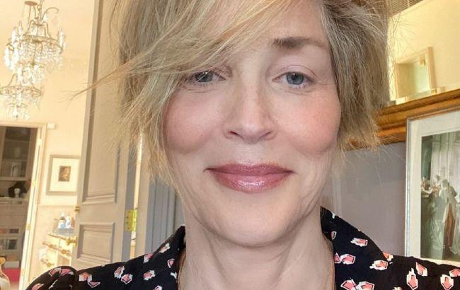 Без макияжа и фильтров: 62-летняя Шэрон Стоун показала смелое фото из реальной жизни