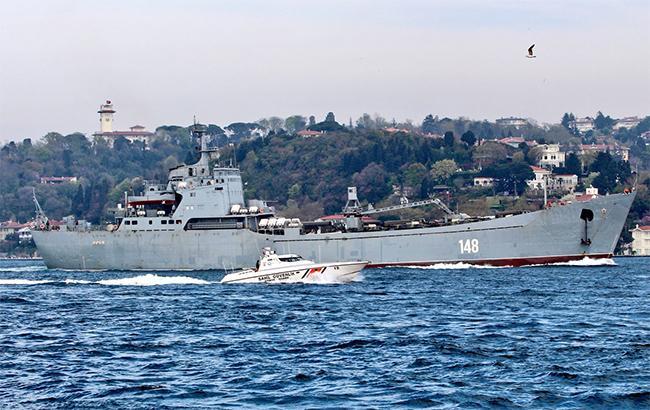 Росія відправила у Сирію бойовий корабель з військовою технікою