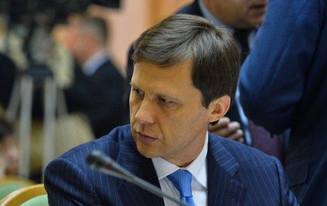 Яценюк просить Раду звільнити главу Мінекології Шевченка