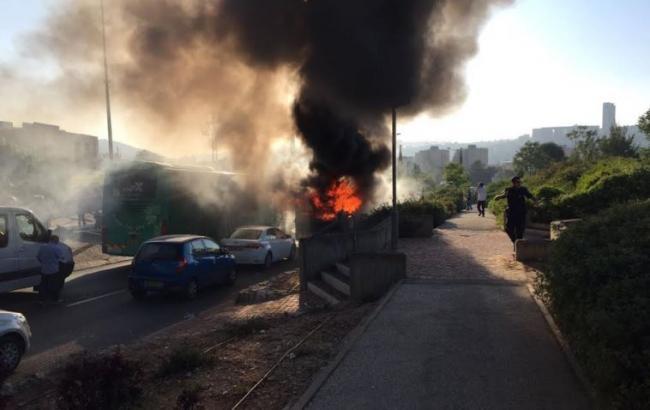 Фото: взрыв произошел на дороге Hebron Road на юго-западе Иерусалима