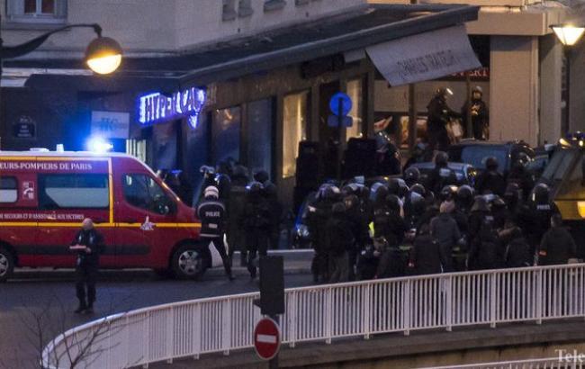 Франція почала масове бомбардування терористів в Сирії