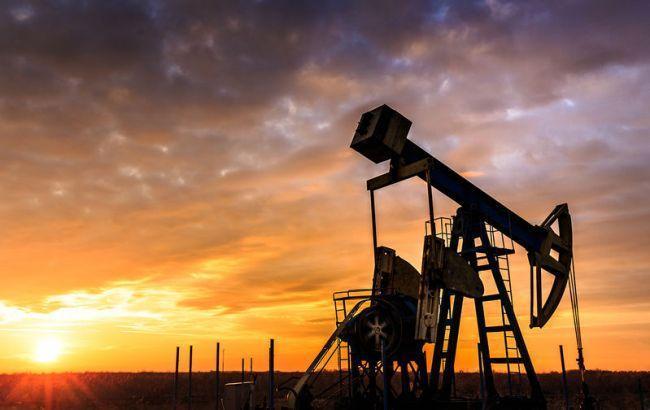 Ціна нафти Brent впала нижче 44 доларів за барель