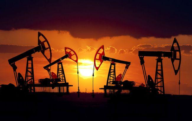 Фото: нефть Brent немного подешевела