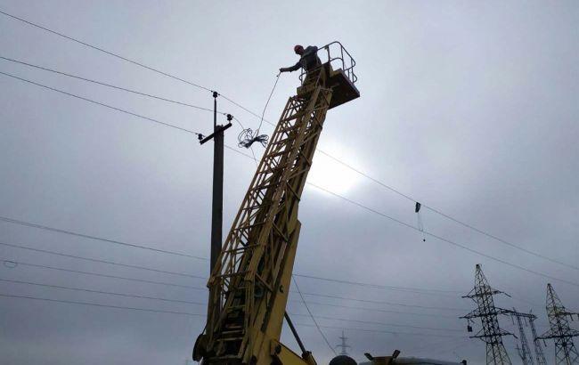 """У 2020 """"ДТЕК Донецькі електромережі"""" повернув світло жителям 42 прифронтових населених пунктів"""