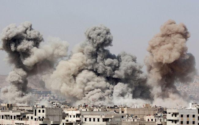Фото: авиаудары в Сирии