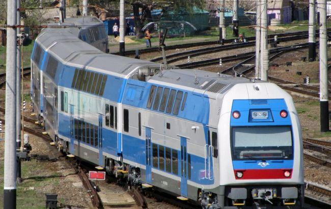 Фото: перевізник призначила 11 додаткових поїздів