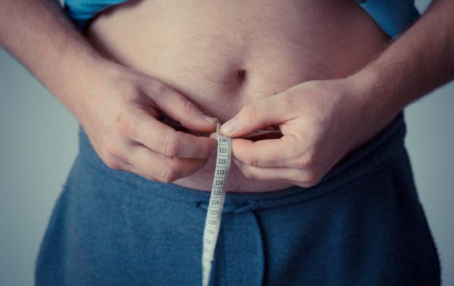 Как похудеть, не вставая с дивана: диетолог опровергла мифы о чудо-таблетках