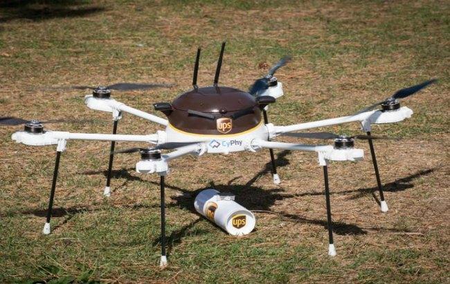 Фото: UPS зацікавилася використанням дронів для доставки
