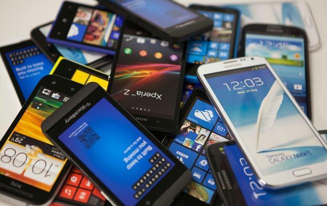 Фото: кількість інстальованих смартфонів у світі наближається до 3 млрд