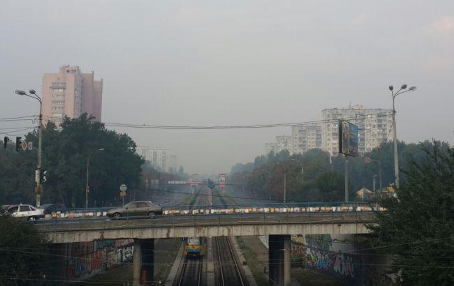 Фото: у Києві розсіюється смог