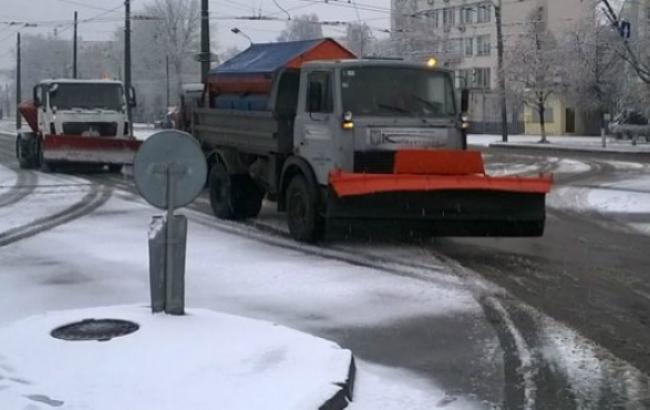 Фото: уборка снега в Киеве (пресс-служба КГГА)