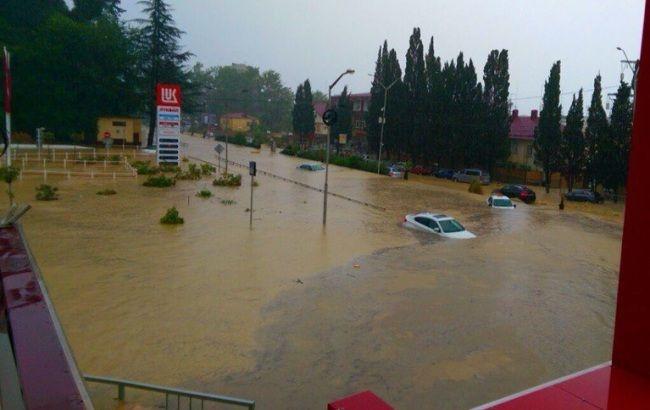 Наводнение в Сочи: проливные дожди парализовали город