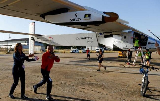 Фото: сонцеліт Solar Impulse 2 (Reuters)