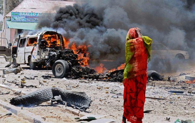 Фото: в Сомали произошло два крупных взрыва