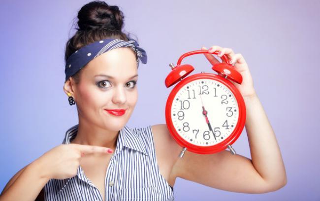 Привыкнуть к смене биоритмов помогут правильное питание и здоровый сон
