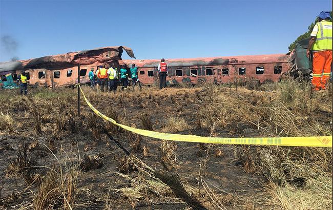 В ЮАР увеличилось количество жертв столкновения поезда с грузовиком