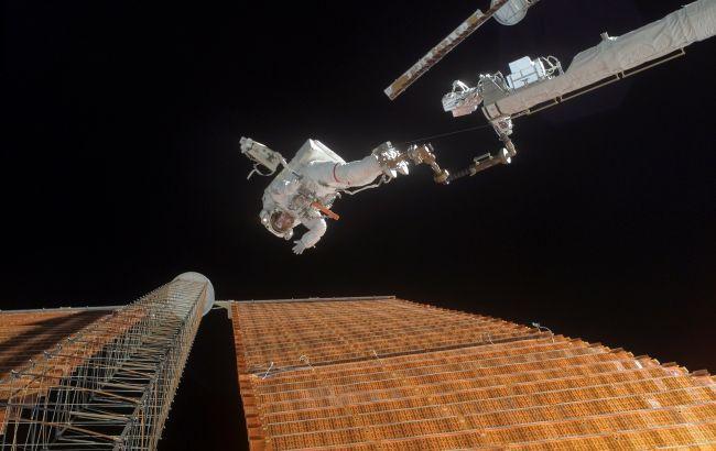 Астронавты установили на МКС новую солнечную панель, - NASA