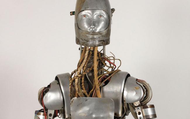 НАСА выставляет нааукцион робота, накотором тестировали лунные скафандры