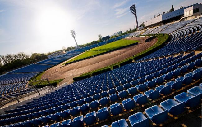 "Фото: Стадіон ""Локомотив"" (tavriya.com.ua)"