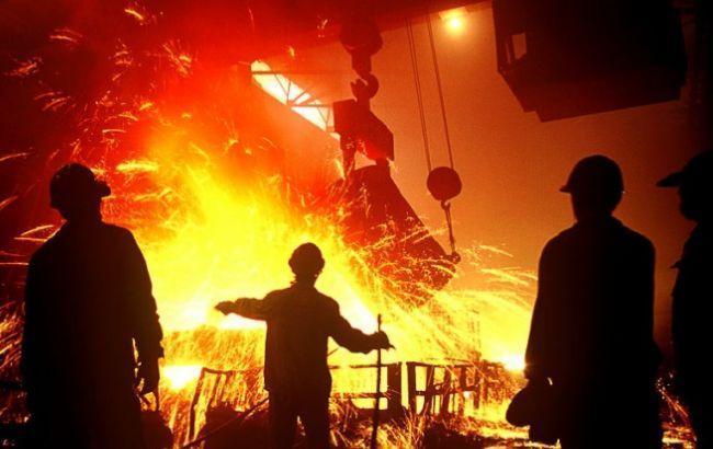 Фото: виробництво сталі істотно знизилося