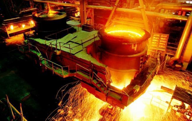 Виробництво сталі в Україні в квітні впало на 8,2%