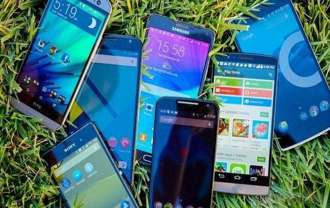 Світові продажі смартфонів зросли на 6,6% в 2016 році
