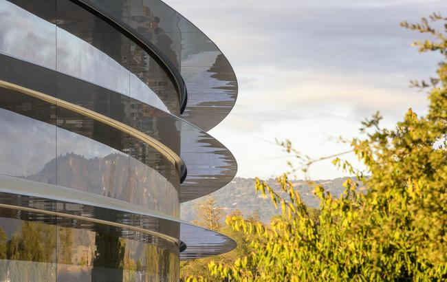Фото: Apple завершает строительство своего нового кампуса