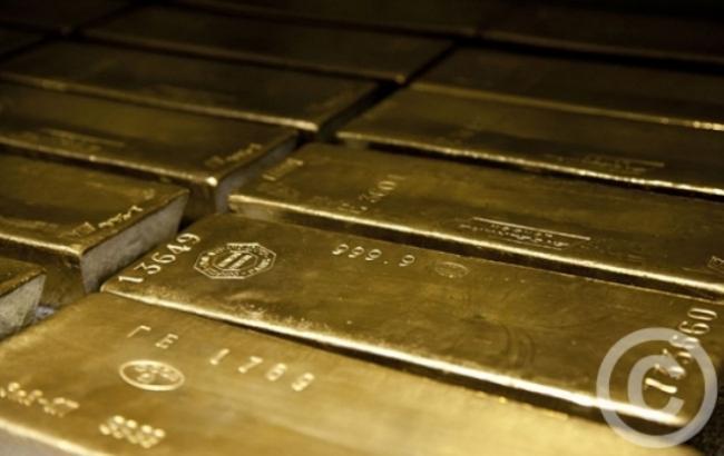 НБУ знизив курс золота до 326,27 тис. гривень за 10 унцій