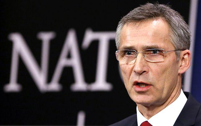 Фото: Йенс Столтенберг обіцяє Україні новий рівень допомоги