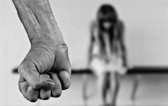 У Харківській області рецидивіст за три години зґвалтував двох жінок