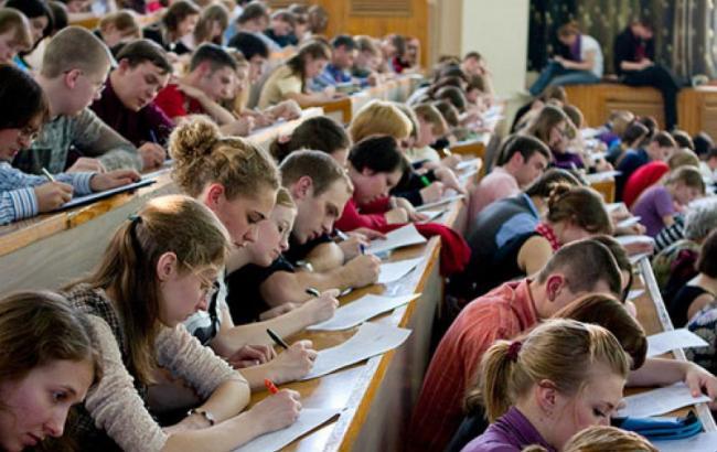 Студентська міграція: де українська молодь шукає кращого життя