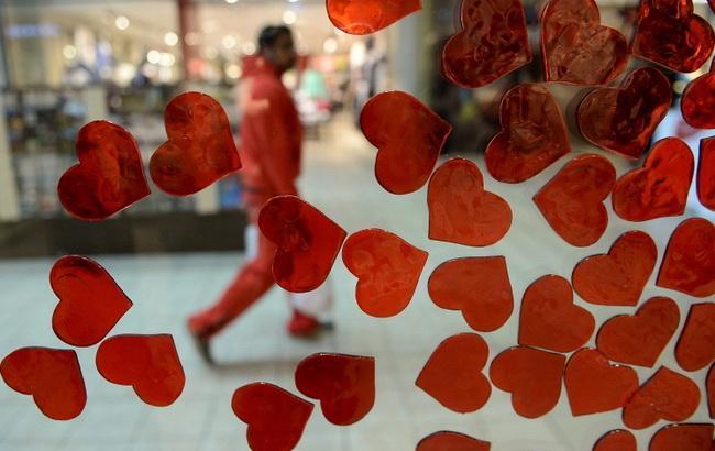 Фото: свято усіх закоханих відзначається в багатьох країнах світу 14 лютого (© EPA)