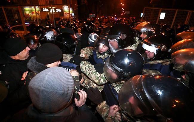 "Фото: столкновения в Киеве (""УНИАН"")"