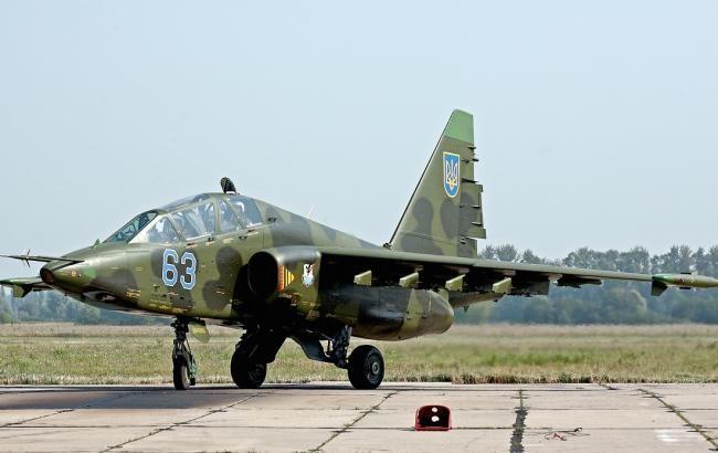 Фото: Су-25 загорелся на взлетной полосе