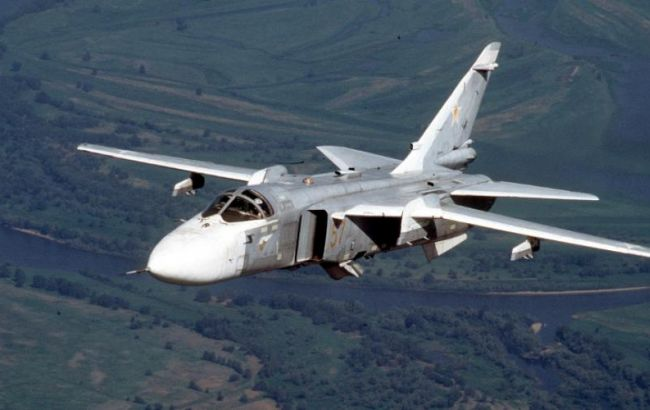 Фото: винищувача Су-24 помітили на Балтійським морем