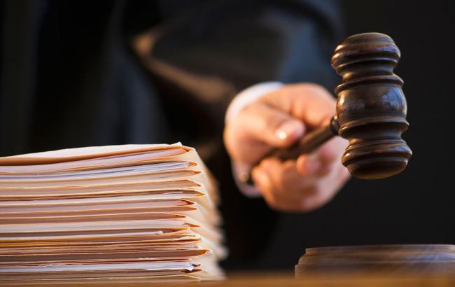 Фото: суд наложил арест на имущество в/ч в Балаклее
