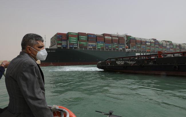 Нефть дорожает из-за опасений блокировки Суэцкого канала на несколько недель