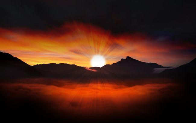 Багатьох чекають темні часи: як сонячне затемнення вплине на всі знаки Зодіаку